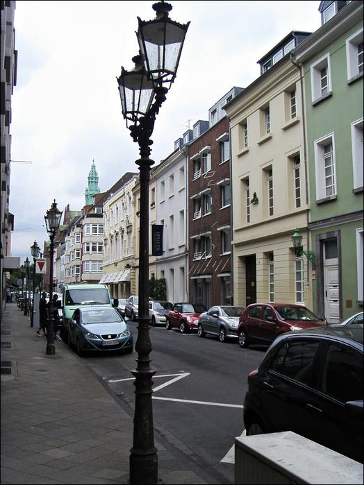 Дюссельдорф, район Карлштадт, названный в честь герцога из династии Виттельсбахов Карла Теодора