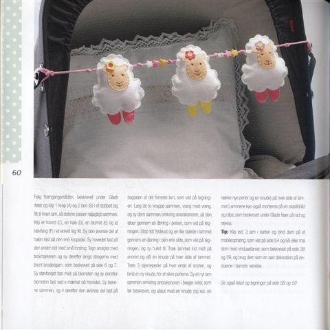 Игрушки на детскую коляску своими руками