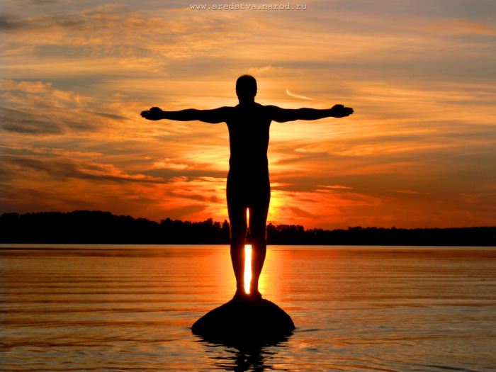 sredstva, аксен, аксенов алексей, вячеслав павлов, закат, закат на реке, затмение солнца в ручную, инь янь, иньянь, картина маслом, код вавинче, код да винчи, красный, муское тело, на волге, ночная съемка, ночной пейзаж, оранжевй, пейзаж, рассвет, река волга, солнце, строение человека, фотограф, частный мастер, человек