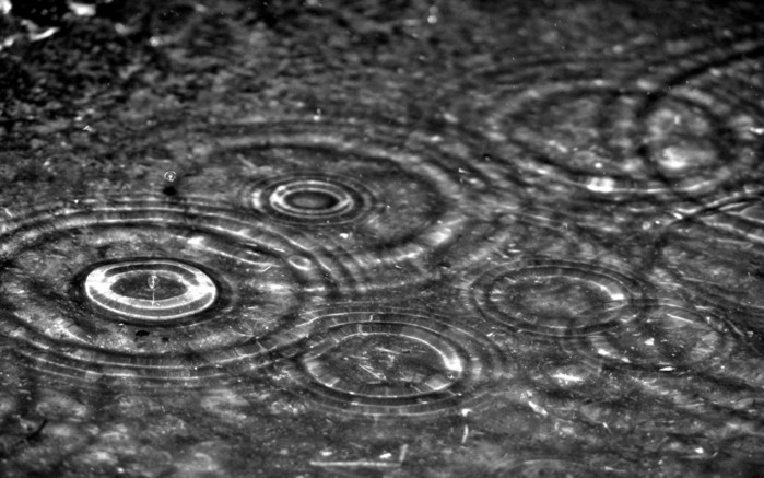 Creative_Wallpaper_Rain_015620_ (699x437, 84 Kb)
