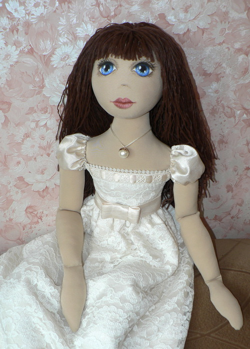 sew a dress for a doll