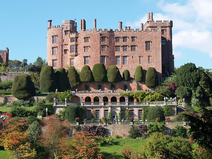 Замок Powis Castle, графство Поуис. 45025
