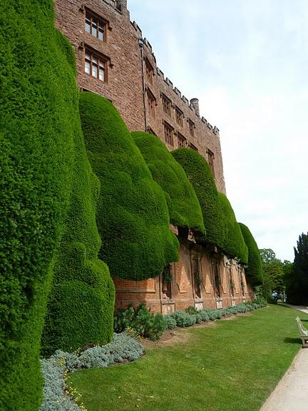 Замок Powis Castle, графство Поуис. 77198