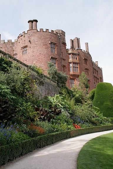 Замок Powis Castle, графство Поуис. 51408