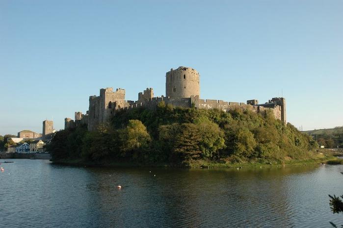 Замок Пембрук в Уэльсе 13552