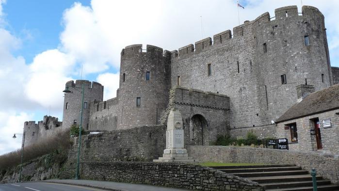 Замок Пембрук в Уэльсе 56745