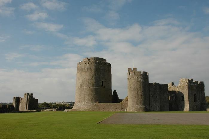 Замок Пембрук в Уэльсе 77990