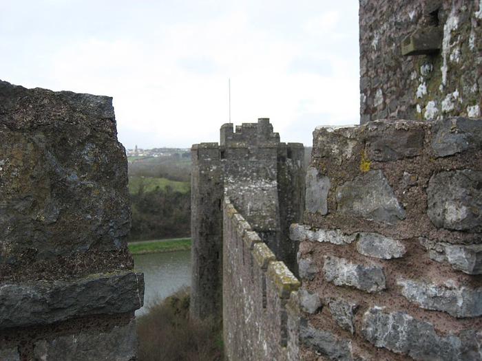 Замок Пембрук в Уэльсе 44638