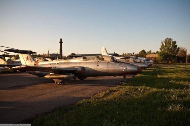 заброшенный аэродром в крыму 06