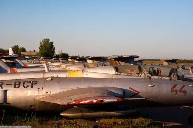 заброшенный аэродром в крыму 20