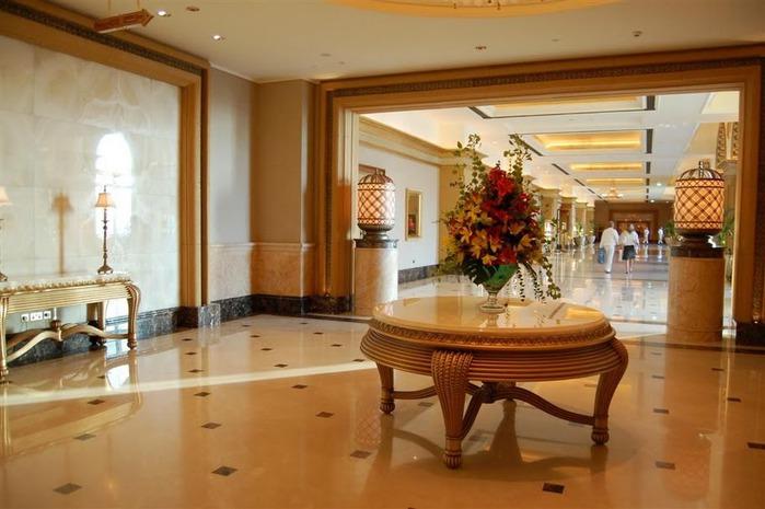 Добро пожаловать в палас-отель «Emirates Palace» 60201