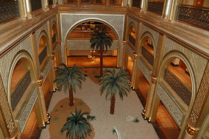 Добро пожаловать в палас-отель «Emirates Palace» 18079