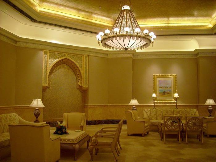 Добро пожаловать в палас-отель «Emirates Palace» 99070