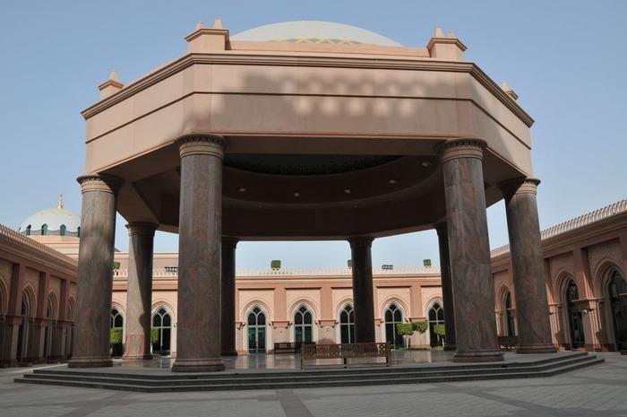 Добро пожаловать в палас-отель «Emirates Palace» 85070