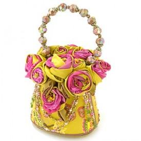...сумки ручной работы заставили биться сильнее не одно женское сердце.