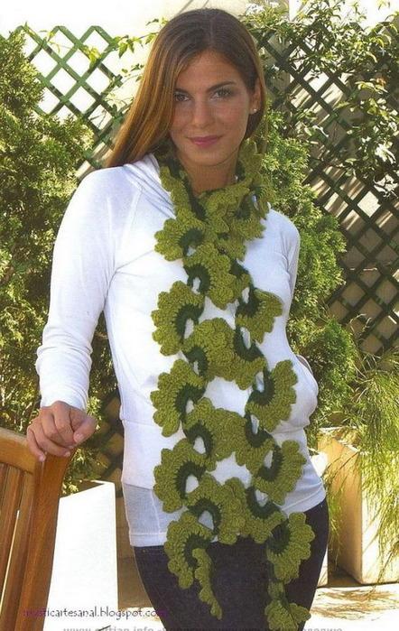 """""""Схемы вязания крючком шарфов  """" Схема вязания шарфа крючком в ажурном стиле и зеленого цвета."""