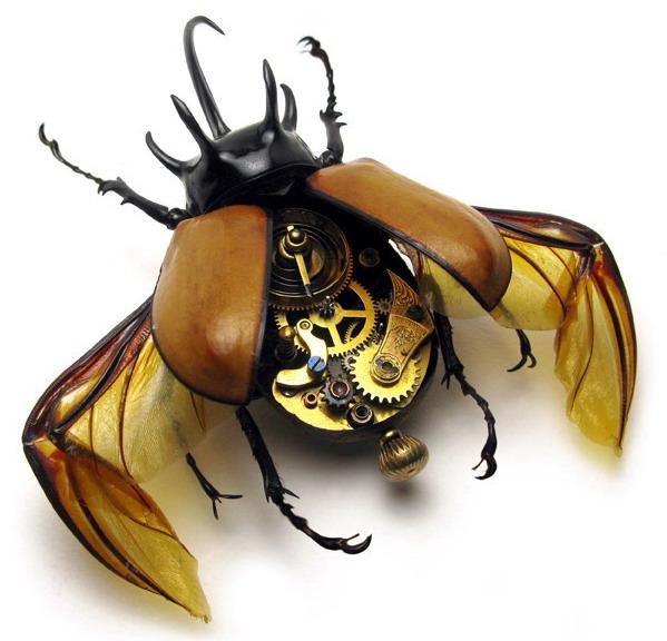 Американец Mike Libby (Майк Либби) создает своих необычных насекомых в...