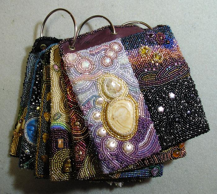 Чехол сумочка вышитые бисером