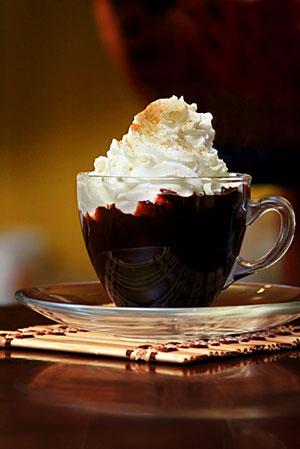 Вот он - шоколад горячий-прегорячий, да еще со сливками. алиска писал(а...