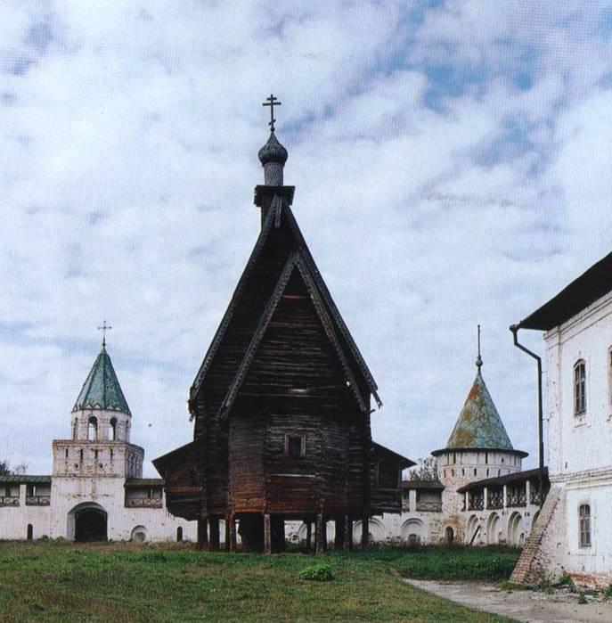Церковь Преображения из села Спас-Вежи на территории Ипатьевского монастыря, Кострома.