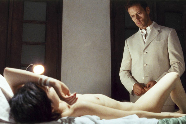 akteri-iz-porno-filma-rokko-prevoshodit-samogo-sebya