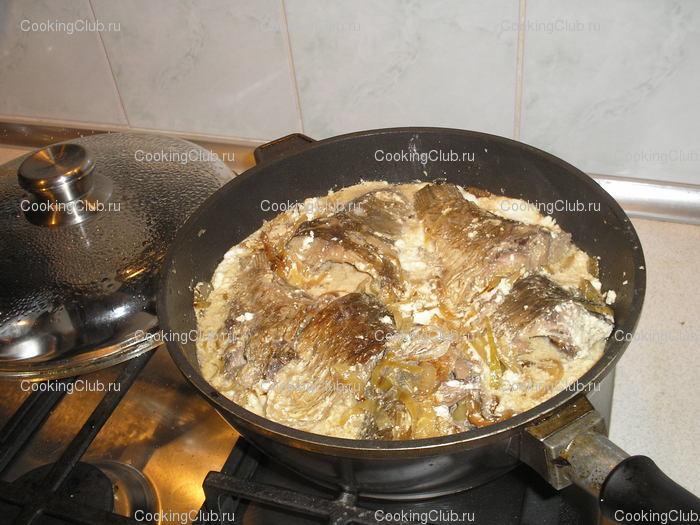 Рыбу потушить в сметане на сковороде рецепт