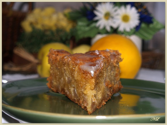 Первый положительный пырыв быстро улетучивается понимаешь, что вместе с... Яблочный пирог с лимонным айсингом.