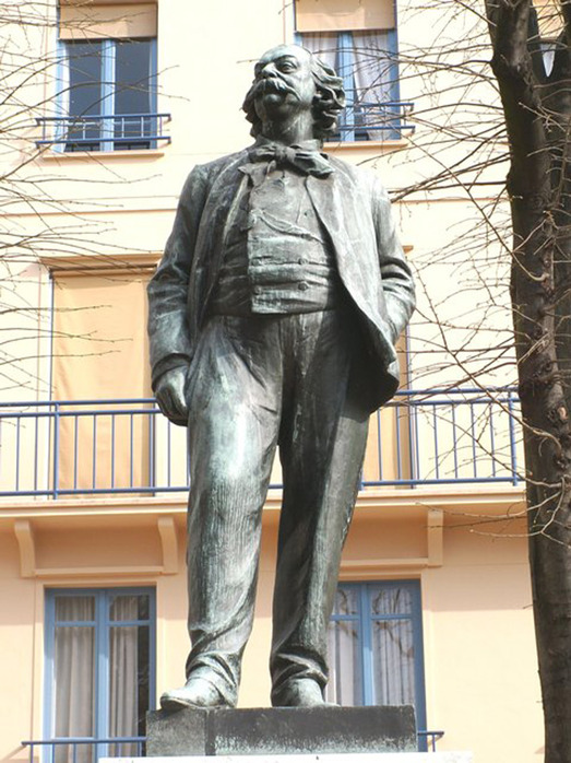 http://img1.liveinternet.ru/images/attach/c/1/51/558/51558083_Rouen___Statue_De_Gustave_Flaubert.jpg