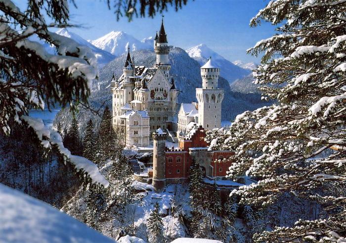 Чувство собственного достоинства баварцев, иногда переходящее в гонор, коренится в исторической... первое фото...