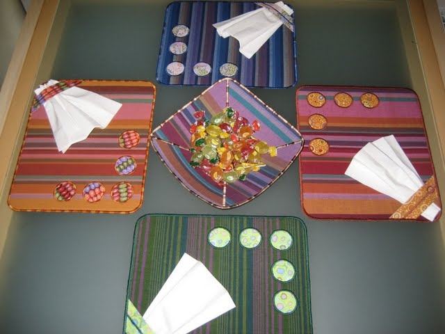 Салфетки из ткани на стол своими руками фото