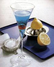 оригинальный праздничный рецепт приготовления алкогольного коктейля.