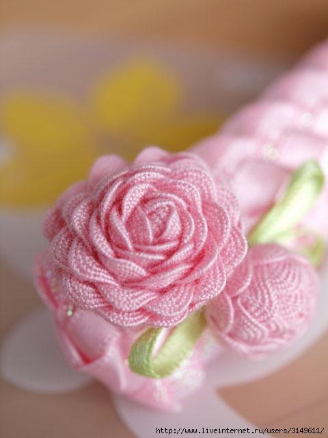 Цветы из ткани своими руками: пример 6.