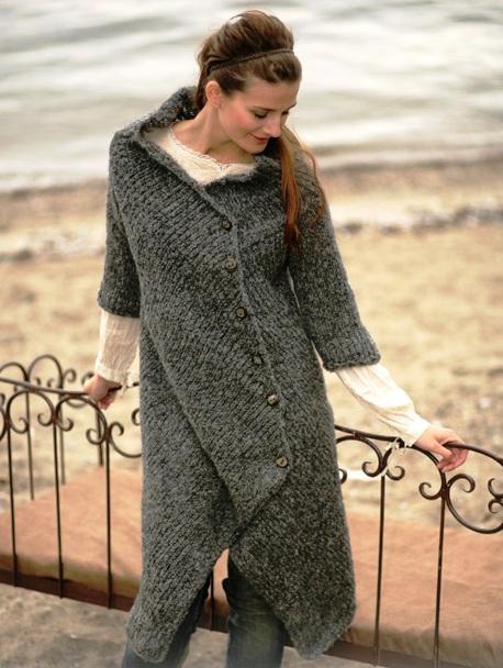 Схема модного вязаного пальто.