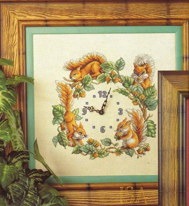 Схема вышивки часы с белочками.  Елена.