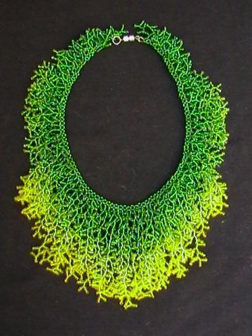 Такие красивые образцы нашла на днях в интернете.  Коралловое плетение бисером.  Прочитать целикомВ.