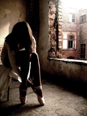 http://img1.liveinternet.ru/images/attach/c/1/56/508/56508171_balerina_by_djandizzy.jpg