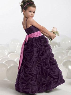 Рвадебное платье А силуэт из тафты, корсет драпирован тафтой.