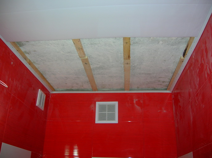 Как своими руками сделать потолок из пластиковых