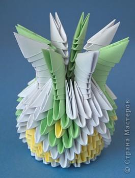май 2010 .  Для изготовления спиральной вазы оригами из бумаги нам поделки в технике коллаж.