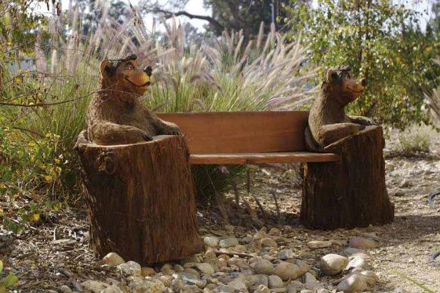 Медведь из пеньков