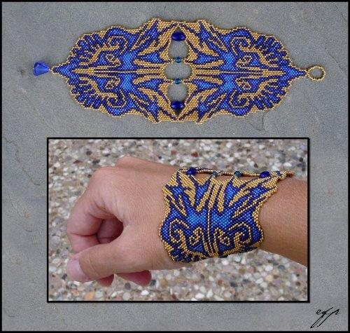 Нашла сайт в котором выложенны изделия из бисера,там много браслетов в которые я просто влюбилась.