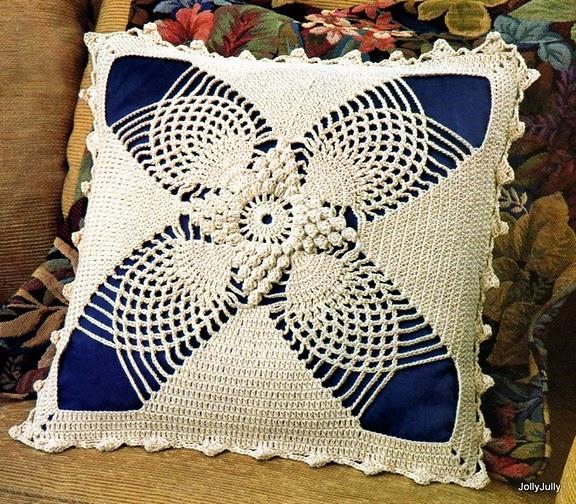 Рхема подушки крючком. схемы и рисунки вязания подушек крючком.