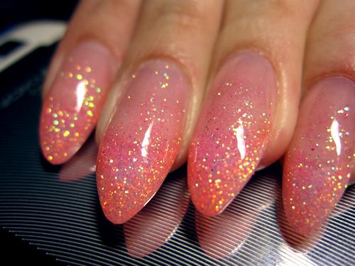 Фото нарощенных ногтей с блестками