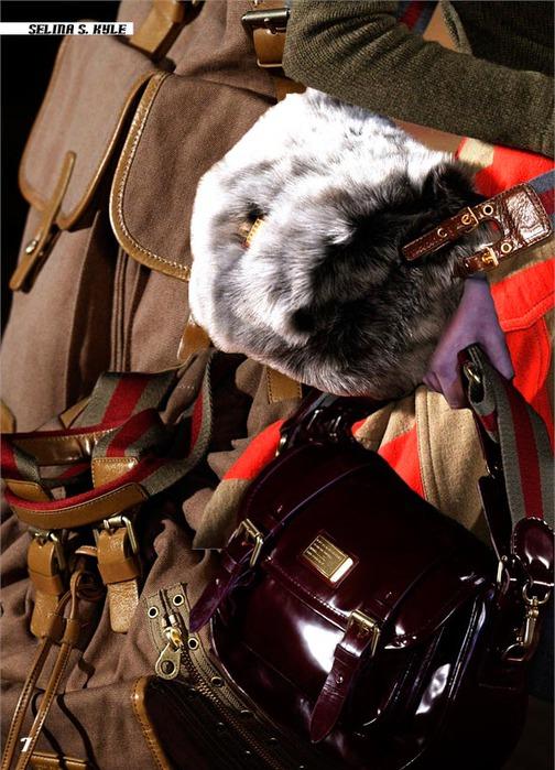 Меховая сумка от Марк Джейкобс.