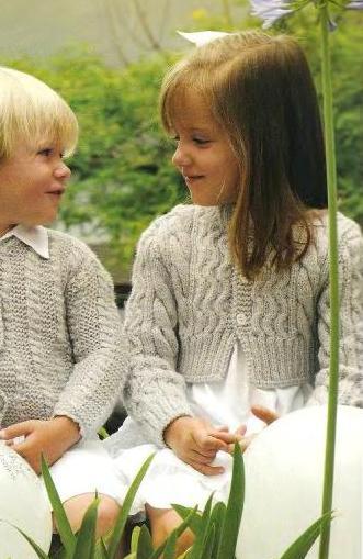 модные свитера. вязать джемпер реглан спицами мальчику лет.
