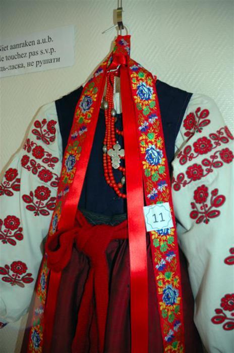 одежда красного цвета 2014