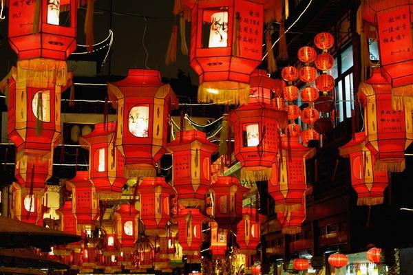 """Китайский фестиваль фонариков """" SFW - приколы, юмор, девки, дтп, машины, фото знаменитостей и многое другое."""