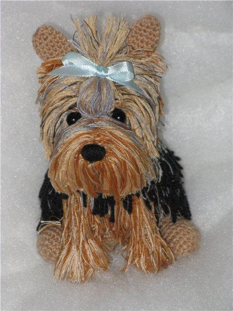 Для всех кто любит собак настоящих и игрушечных схема вязания собачки-йорка крючком.  Схема вязания щенка Нам...