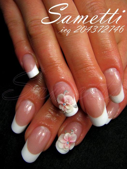 Фото ногтей френч белый с лепкой