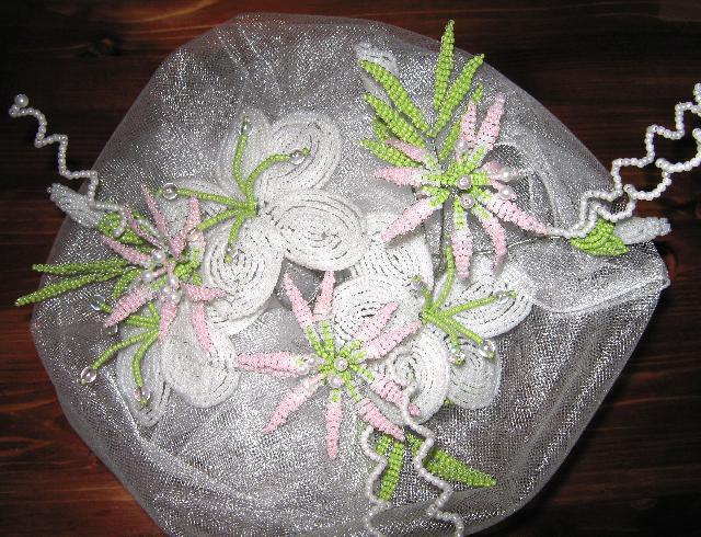 Букет из бисера это выбор свадебные букеты из бисерных цветов придадут образу невесты Цветочки.